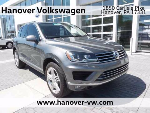 Pre-Owned 2016 Volkswagen Touareg Executive
